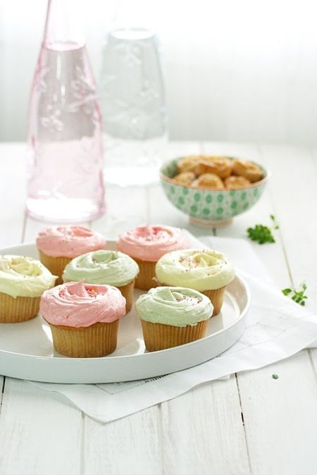 Receta de Cupcakes de Vainilla & Frosting (by Food and Cook)