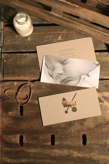 Una tarjeta de nacimiento original