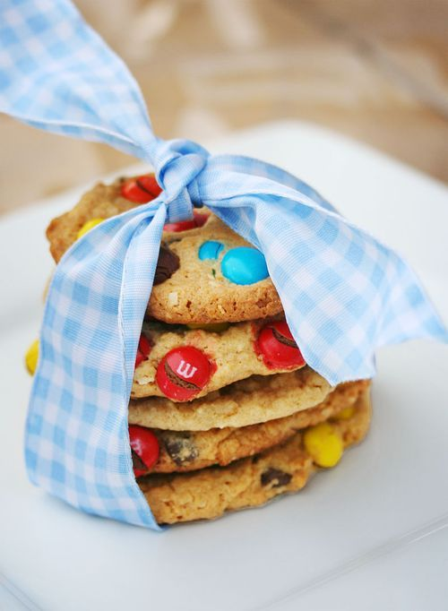Ideas y Detalles: Cookies con lazo y lacasitos