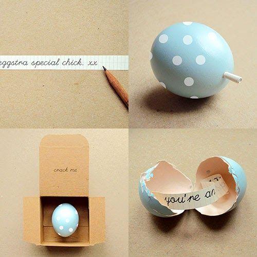 Invitaciones en un huevo