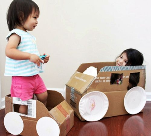 Juguete eco-respetuoso con cajas de cartón
