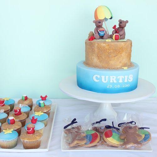 Tarta Teddy Bear, cupcakes y cookies para una fiesta infantil