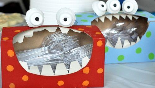 Decoración para fiesta 'monstruosa' con cajas de tissues