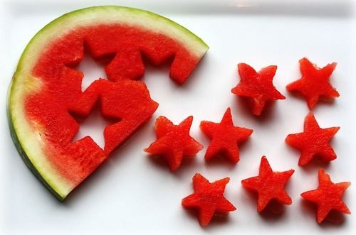 Presentación creativa de fruta: ¡estrellas de sandía!