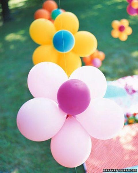 Flores con globos: ¡qué gran idea!