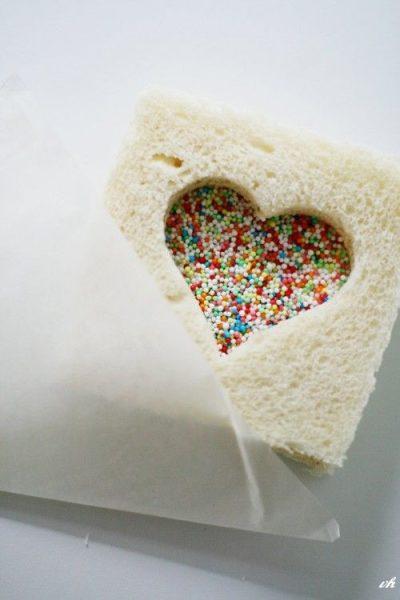 Presentación creativa de sandwiches con siluetas divertidas