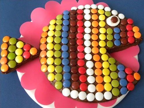 Tarta de cumpleaños pez …con Lacasitos