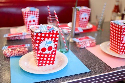 Fiesta infantil de cerezas retro: ¡vuelta a los felices 50!