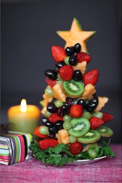 Un abeto creativo para comer fruta en Navidad