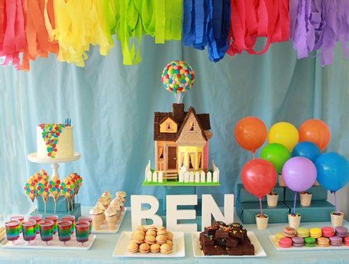 ¡Original fiesta de cumpleaños 'Up' llena de globos!