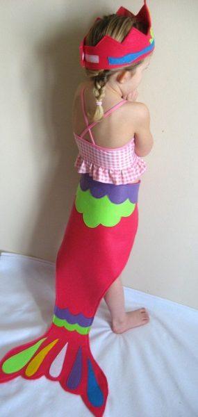 Escuela de sirenas… ¡Mira qué bonito disfraz para niña!