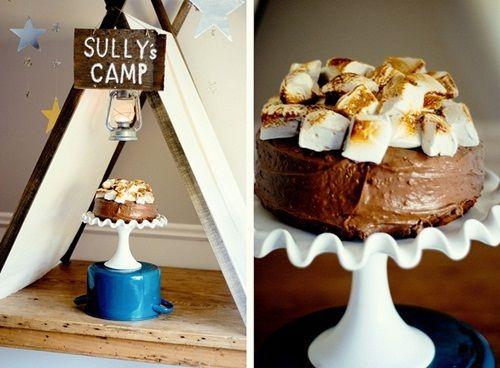 Original fiesta acampada para un cumpleaños temático