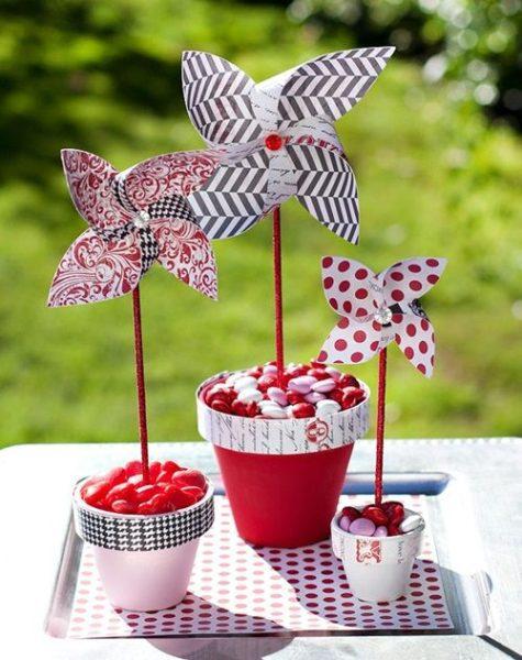Idea para fiesta con molinillos de viento hechos en casa