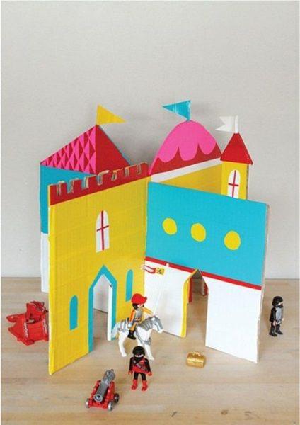 Manualidades para Niños: Un castillo de cartón para los playmobil