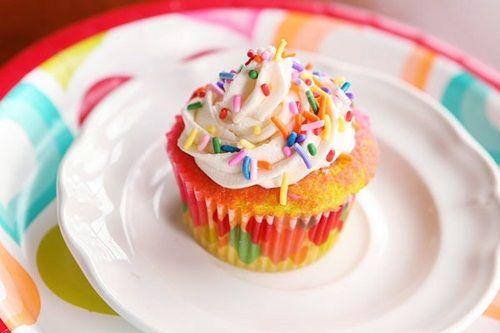 Receta de magdalenas de colores para fiestas de niños