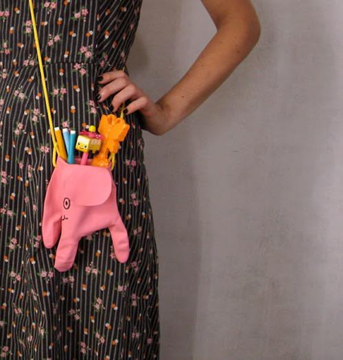 DIY: original bolso elefante con un guante de goma