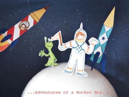 Manualidad con niños: complementos para una fiesta espacial