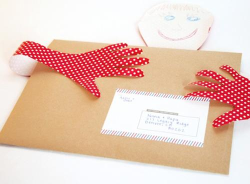 Idea original: enviad por correo un abrazo a los abuelos!