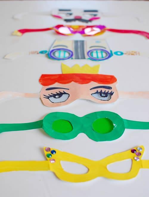 Como crear divertidas gafas con cartulina para disfraces caseros