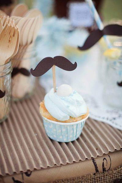 Simpática fiesta temática de bigotes