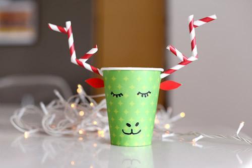 DIY: un simpático vaso reno para los refrescos navideños
