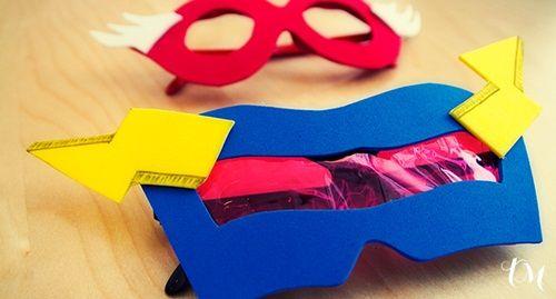 Gafas con superpoderes para disfraces caseros
