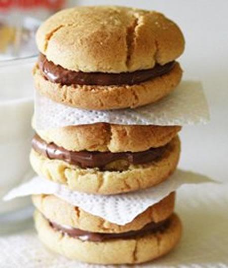 Sándwiches de galletas caseras con nutela