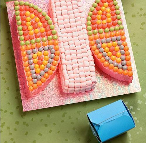 Tarta de cumpleaños, mariposa de colores