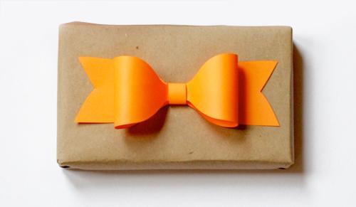 DIY, lazos de papel para decorar regalos
