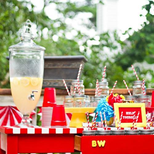 mesa de refrescos para fiesta infantil