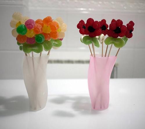 Flores de gominolas para decorar una fiesta