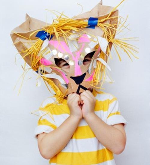 Disfraz casero, una máscara de león