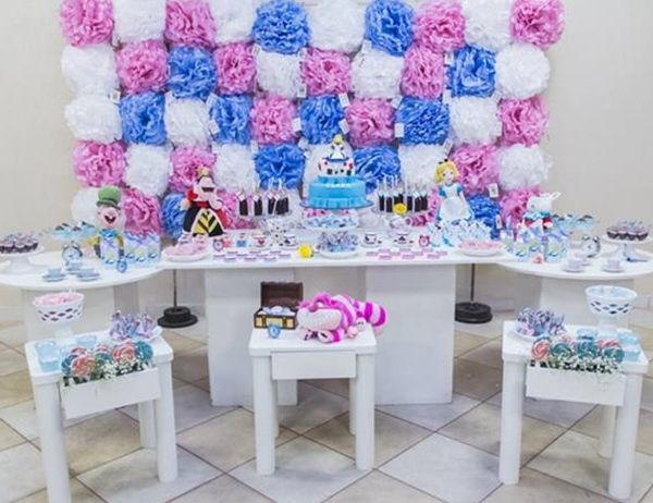 Cómo decorar fiestas infantiles de Alicia en el País de las Maravillas 2