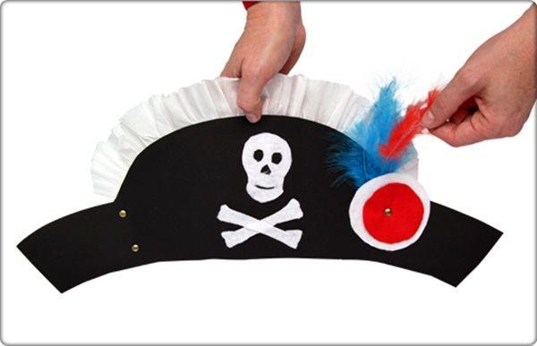 ¿Buscando disfraces caseros? ¡Prueba con este de gorro de pirata!