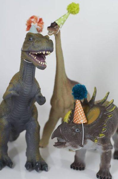 Fiesta original y divertida de dinosaurios gamberros 2