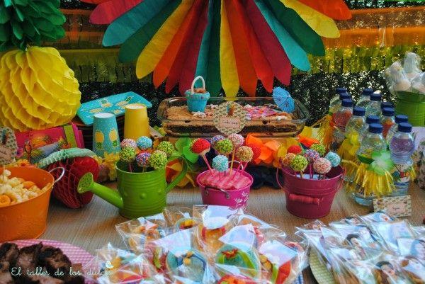 fiestas y cumpleaños ideas decoración tropical verano hawaiana hawai infantil (6)