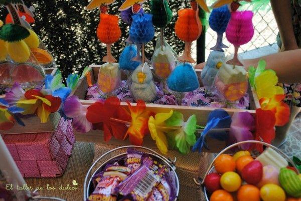 fiestas y cumpleaños ideas decoración tropical verano hawaiana hawai infantil (7)