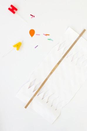 como hacer lanzador de confeti (2)