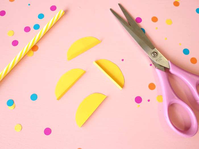 cómo hacer pajitas decorativas para fiesta de frutas