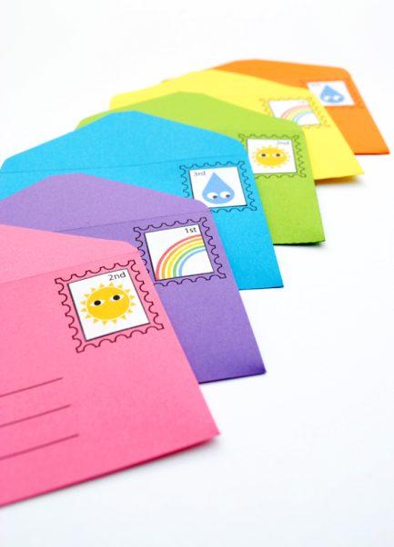 Sobre y carta de cartulina de colores ¡todo en uno!