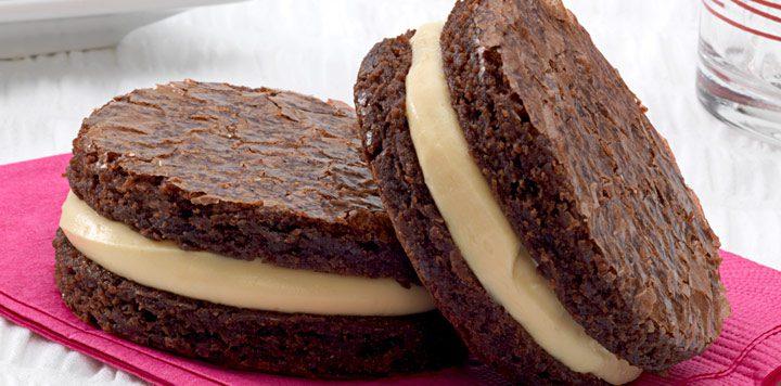 Deliciosos sándwiches de chocolate y caramelo