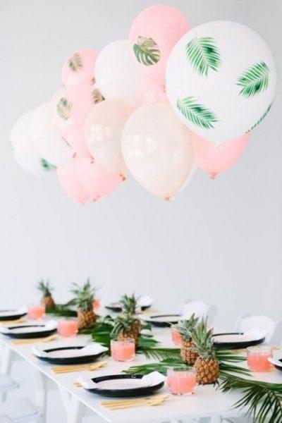 decoracion en una fiesta de piñas