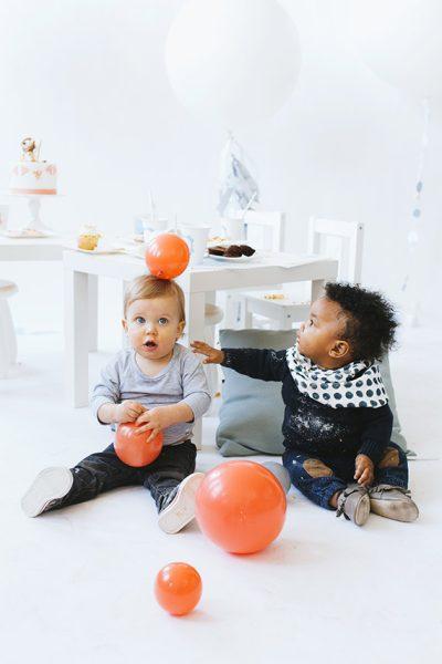 Globos gigantes para fiesta de niños pequeños