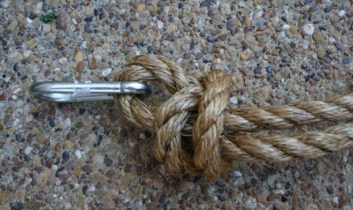 columpio de madera y cuerda para jardin