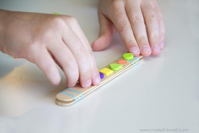 decorar la harmonica casera manualidad con niños