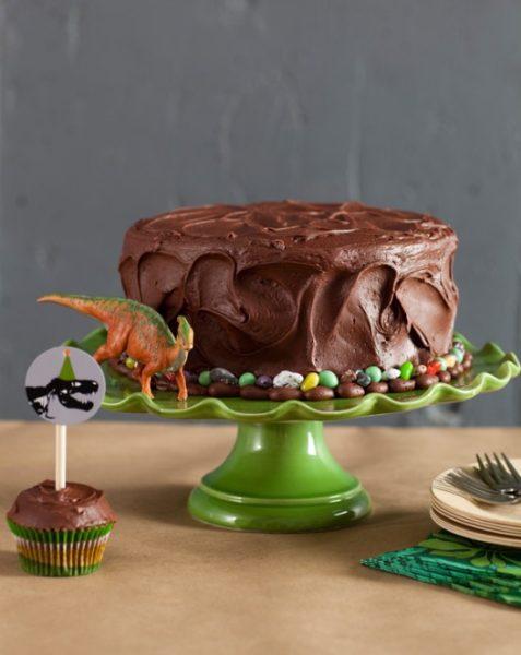 8 ideas para hacer una fiesta de dinosaurio tarta de cumpleaños