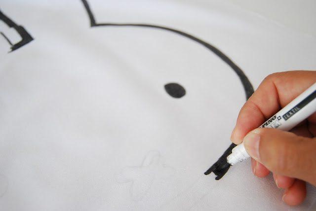 como hacer un cojin de conejito miffy rotulador negro