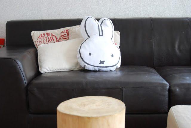 Cojín hecho en casa de la conejita Miffy