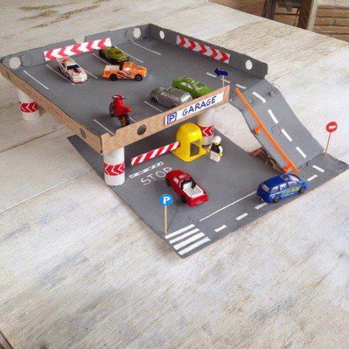 manualidades con carton para niños caja de pizza parking