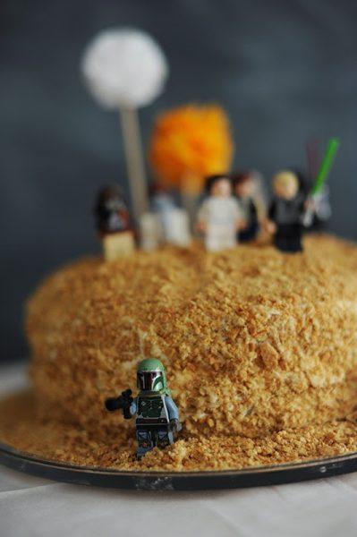 Adorable tarta de Star Wars para un cumpleaños